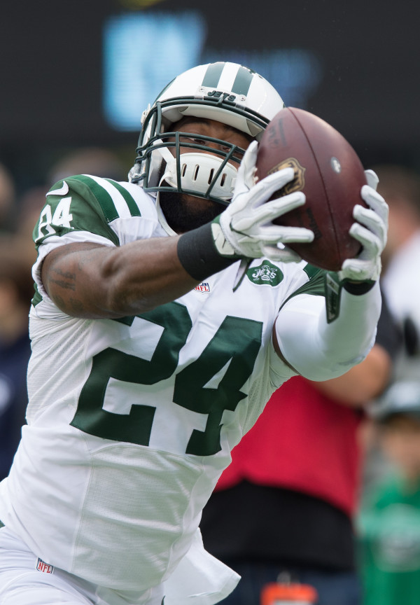 9f6888ec6 Warrant issued for New York Jets  Darrelle Revis on assault charges ...