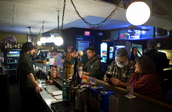 After Nearly 99 Years The Wave In Bangor Proves That Dive Bars