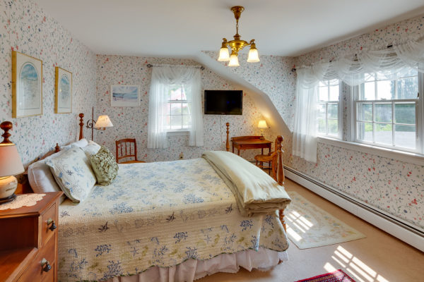 The Homeport Inn, a historic sea captain's house in Searsport, has a storied past.