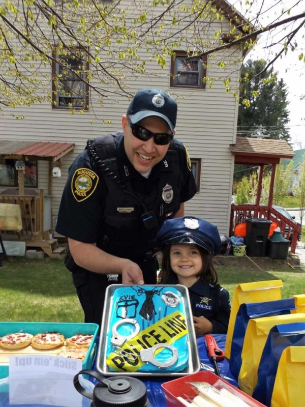 Officer Surprises 5 Year Old At Her Police Themed Birthday Party Augusta Bangor Daily News BDN Maine