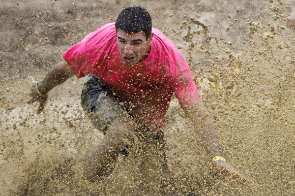 Maine Auto Mall >> These Mainers got filthy running through mud for fun — Outdoors — Bangor Daily News — BDN Maine