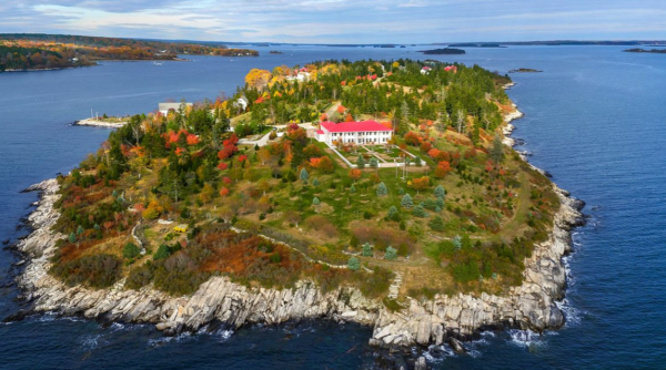 Images of Hope Island from its listing by Christie's International Real Estate.