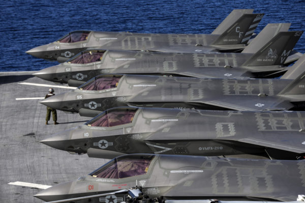 Pratt & Whitney faulted as biggest F-35 engine deal's cost