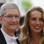 "Apple CEO Tim Cook and Steve Jobs' widow Laurene Powell arrive at the Metropolitan Museum of Art Costume Institute Gala to celebrate the opening of ""Manus x Machina: Fashion in an Age of Technology"" in the Manhattan borough of New York, May 2, 2016."