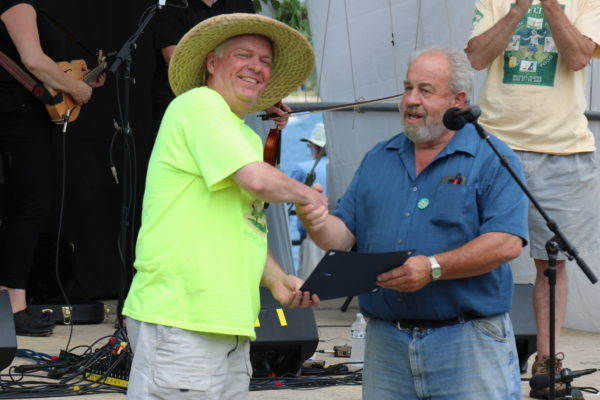 Bob MacGregor and Mayor Walter Ash