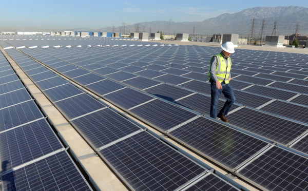 Trade Agency Rules Imported Solar Panels Harmful to US Manufacturing