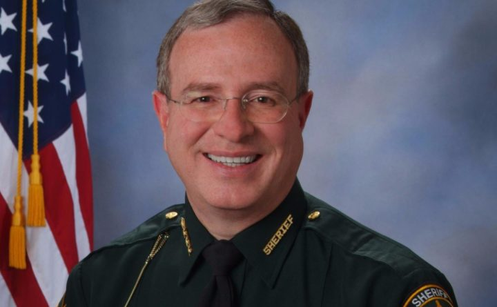 Florida sheriff threatens jail for anyone with outstanding