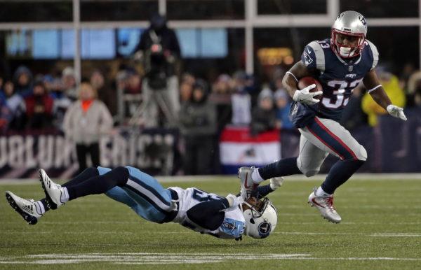 Brady, Pats take 14-7 lead over Titans