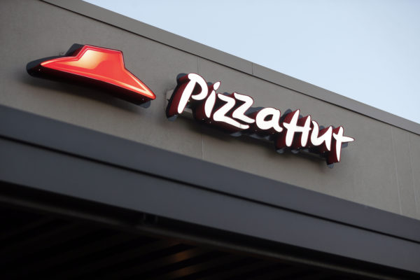 National Football League cuts Pizza Hut deal day after Papa John's breakup