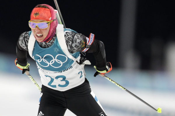 Dahlmeier shoots clean to claim biathlon sprint gold