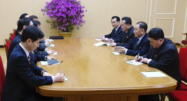 Moon's special envoys to visit Pyongyang from Monday