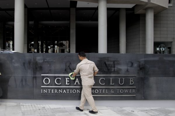 Trump execs walked from Panama property as signage stripped