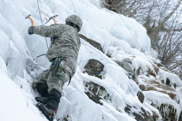 Soldiers caught in avalanche