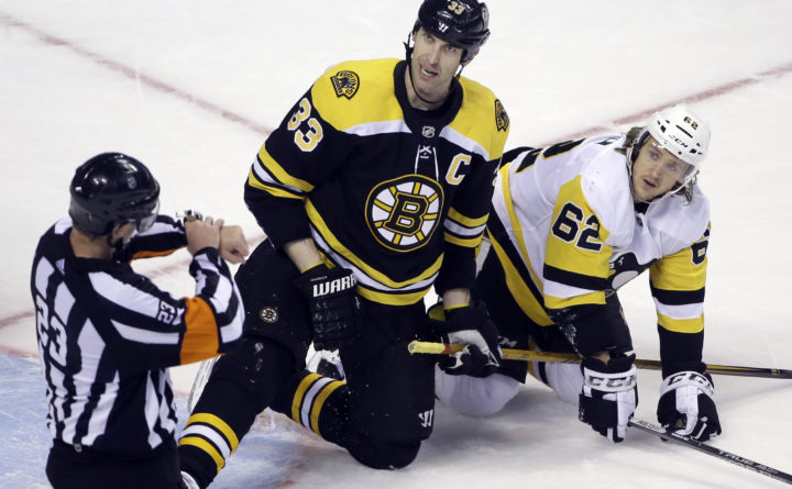 Bruins give Chara 1-year extension