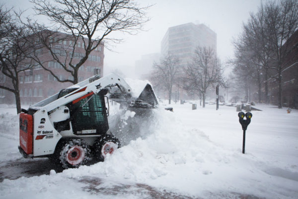 Live blog: Maine remains in grip of winter storm as snow