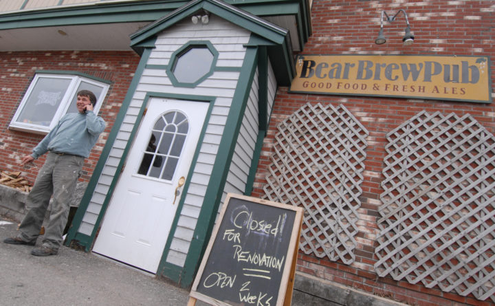 Bear Brew Pub In Orono To Close New English Style Pub To