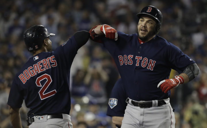 wholesale dealer 07c26 e8da1 World Series MVP Pearce stays with Red Sox for $6.25M ...