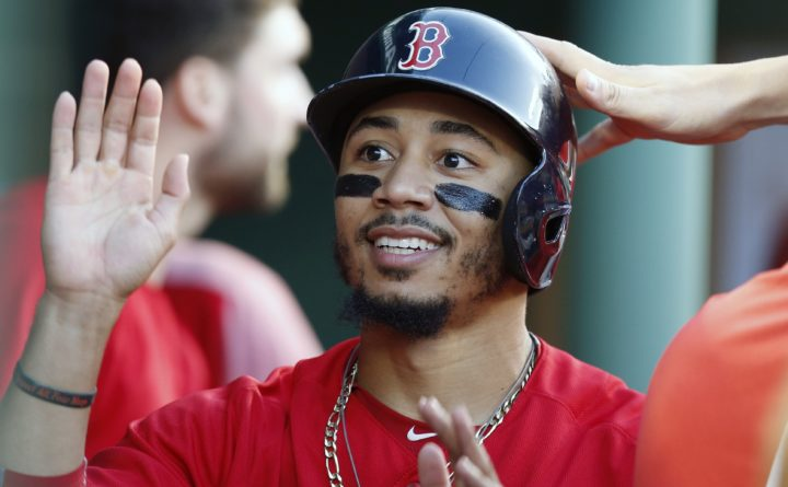 Mookie Betts won't go to White House with Red Sox