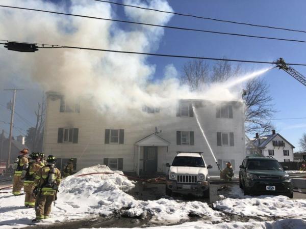 Firefighter dies in 4-alarm Berwick apartment blaze — York — Bangor