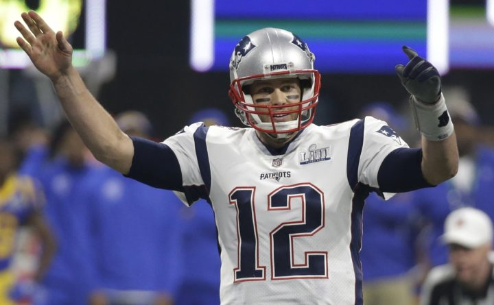 official photos 000f7 e2588 Tom Brady saves first tweet for April Fools' Day: I'm ...
