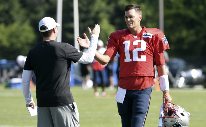 buy popular 5f188 d370f With new contract, Tom Brady still not looking too far ahead ...