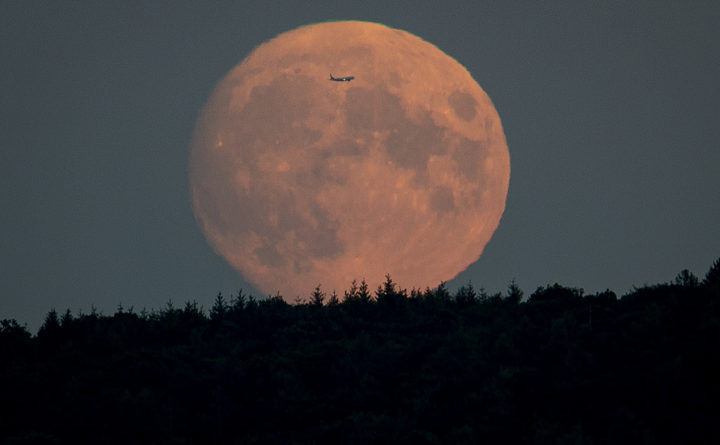 Here's how to celebrate Sunday's 'Full Hunter's Moon' in Maine